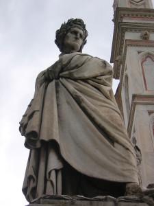 Dantestatyn utanför Santa Croce i Florens FreeImages.com/Vitt Pess