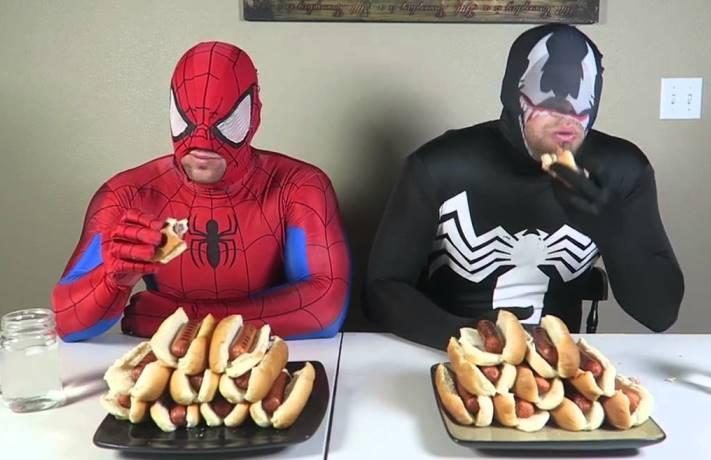 superhjältar lever livet